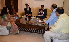 Mr. Sher Verick, Deputy Director, ILO-DWT for South Asia & CO for India in discussion with Chairman AEPC (ILO in Asia and the Pacific) Tags: india norad seco smes employment workingconditions socialdialogueandtripartism industrialandemploymentrelations garmentsandtextiles