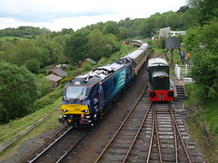 """Direct Rail Services Class 88 88003 """"Genesis"""" and Intercity liveried Class 50 50031 """"Hood"""" arrive at Highley (Oz_97) Tags: highley directrailservices 88003 genesis"""