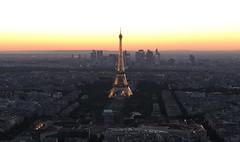Paris, Tour Eiffel (Didier Ensarguex) Tags: 75 paris latoureiffel heuredorée canon 5dsr didierensarguex coucherdesoleil 2470