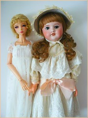 1922 - 2012 (Antiphane) Tags: doll poupée collection bjd sd iplehouse yid emilia opera edition sfbj moule 60 paris 1922 porcelaine