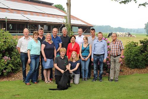 Besuch des Milchviehbetriebs Hollmann und Austausch zur Landwirtschaft in Helle mit Elvira Drobinski-Weiß MdB.