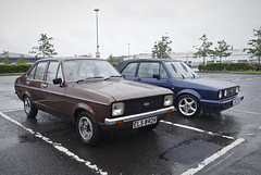 Nice Mk 2 (Dave S Campbell) Tags: classic car street spots ford escort mk2 bronze mk1 golf volkswagen vw rain spotted scotland