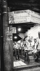 ainda uma última cerveja (lucia yunes) Tags: bar bares botequim cerveja noite motoz luciayunes