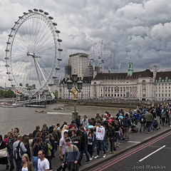 Westminster Bridge (Joel Raskin) Tags: westminsterbridge bridge people londoneye london unitedkingdom fromthebus lumixgx85 11 clouds