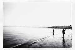 IMG_6678 (Bruno Meyer Photography) Tags: edinburgh scotland visitscotland portobello seascape sea seaside walk silhouette people skyline landscape peace nature light life photography travel travelphotography raw edit blackandwhite bw blackandwhitephotography leica leicaimages leicacamera leicacamerafrance leicam240 leicam summarit 35mm leicalens