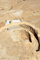 Israel-05842 - Looking Down (archer10 (Dennis) 98M Views) Tags: israel masada ruins plateau globus sony a6300 ilce6300 18200mm 1650mm mirrorless free freepicture archer10 dennis jarvis dennisgjarvis dennisjarvis iamcanadian novascotia canada roman camp d middle lower terrace