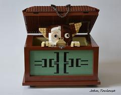 Gizmo Box (John_Toulouse) Tags: moc lego gremlins gizmo johntoulouse brickpirate box bpchallenge challenge