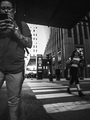 Fuji Finepix Z90 street photos 3rd week May 2017 B-W pic36 (Artemortifica) Tags: blueline cta chicago finepixz90 fujifilm fujinon lakest may michiganave state blackandwhite bridges buildings buses candid commuters downtown performance redline street trains