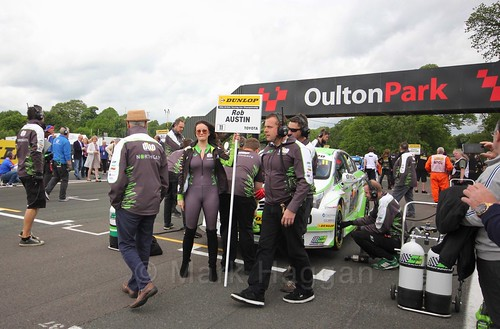 Rob Austin on the BTCC grid at Oulton Park, May 2017