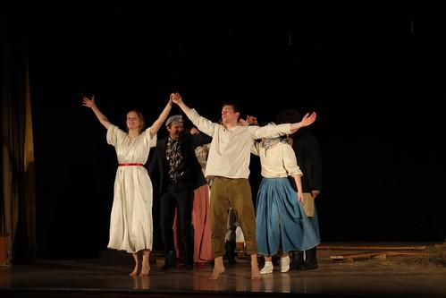 Молодежный театр Underground Одна абсолютно счастливая деревня (11)