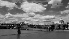 St Paul's and Millenium Bridge (éric) Tags: bn bw london londres stpauls milleniumbridge riverthames imagedatasmg935f13832f1740 uploadscript imagemagick im:opts=crop3900x220082800fx07g03rlevel310008 photo:id=349013660413d30d2ef09ojpg cathedral catedral