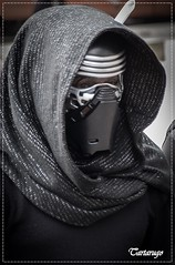 Kylo Ren (Tartarugo) Tags: pentax tartarugo k5 iis salidas 2017 stormtroopers santiago de compostela galicia españa spain sabado saturday mayo may primavera spring star wars starwars tropa korriban friki frikis freaky cosplay stormtrooper disfraz costume