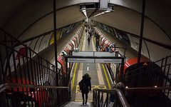 Under the Common (McTumshie) Tags: 20170225 claphamcommonstation lul london londonunderground northernline tfl transportforlondon passengertransport railway thetube transport england unitedkingdom