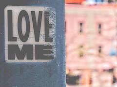 un cri du coeur (photosgabrielle) Tags: photosgabrielle vieuxmontréal graffiti montreal city ville urban urbain