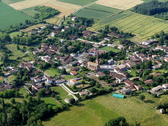 Bondigoux (François Magne) Tags: ulm pendulaire vue aerienne village église rue ruelle pont tarn tarnetgaronne bondigoux bastide