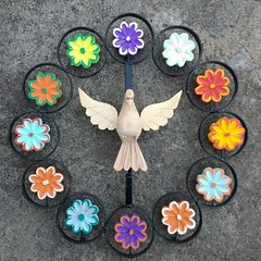 Mandala pronta. 😉👍🙏 #euamoartesanatomineiro #artesanato #decoraçãomineira #decoração #mandala #divino #flores #casa #decorar (fabriciabarcelos) Tags: mandala flores decoração artesanato divino casa decoraçãomineira decorar euamoartesanatomineiro