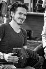 IMG_0136-Bearbeitet (albertine1711) Tags: rumregatta strassenmusik flensburg concertina