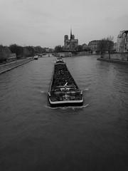 Sekwana, Paris (France) (KubalaŻca) Tags: sekwana paris france paryż francja rzeka barka statek schip