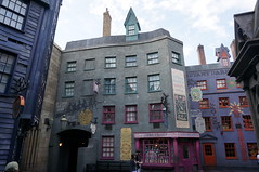 "Universal Studios, Florida: Diagon Alley • <a style=""font-size:0.8em;"" href=""http://www.flickr.com/photos/28558260@N04/34701280786/"" target=""_blank"">View on Flickr</a>"