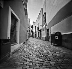 Fotografia Estenopeica (Pinhole Photography) (Black and White Fine Art) Tags: pinhole1214x214 pinhole03mm niksilverefexpro2 lightroom3 sanjuan oldsanjuan viejosanjuan puertorico camaraestenopeica pinholecamera estenopo