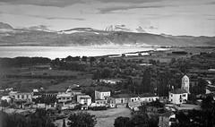 Ιωάννινα, άποψη από την κεντρική πλατεία προς την λίμνη και τα Τζουμέρκα. (Giannis Giannakitsas) Tags: greece grece griechenland ιωαννινα γιαννενα