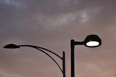 luces (dixmanx) Tags: luces farolas cielo atardecer nubes
