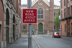 """WHAT THE HELL HAPPENED TO THE """"L"""" [NEW ROAD AYOUT AHEAD]-129122 (infomatique) Tags: sign error funny newroadlayout newroadayout streetsign northernireland may 2017 warningsign williammurphy infomatique fotonique"""