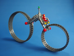 Hubless Beic (David Roberts 01341) Tags: classicspace motorbike beic vehicle scifi lego minifigure