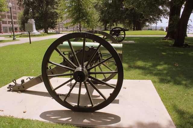 Civil War Cannons at Confederate Park - Memphis, TN
