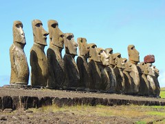 15moais (ruben25x12) Tags: isladepascua easterisland easter polinesia polynesia moai islapajaro orongo ranoraruka marae cultura akivi hangaroa chile anakena