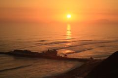 Miraflores sunset (harronc) Tags: canon7d 7d canon beach sunset takumar peru lima miraflores larcomar m42