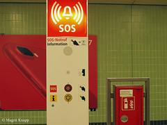 U-Bahnstation Kurfürstendamm (magritknapp) Tags: sosnotrufsäule sosemergencycall « boîte dappel sos » cajadellamadadeemergencia cabinatelefonicasos caixadechamadasos ubahnhofkurfürstendamm kurfürstendammundergroundstation stationdemétrokurfuerstendamm berlin