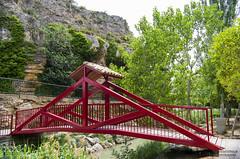 Puente en el parque de Muel (noemíconesa) Tags: puente muel aragón españa parque naturaleza niños juegos comida campestrewater spain park nature children games picnic bridge cascada waterfall