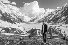 self (mimalkera) Tags: kaghanvalley naran kaghan shogran siripaye payemeadows lakesaifulmalook travelpakistan travelbeautifulpakistan travel wanderlust