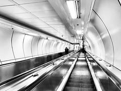 Subway - Seoul (Dec 2016) (romy_clair) Tags: iphonephotography iphone7 iphone amateurphotography travelphotography travel amateur blackandwhitephotography blackandwhite bw landscapecomposition ruleofthirds underground subway korea eastasia asia southkorea seoul