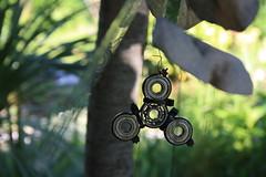Creatività antistress (diemmarig) Tags: fidget spinner spinnerino lostandfound fascette cuscinettiasfera faidate bored olivetti