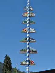 Leavenworth, Washington (Jasperdo) Tags: leavenworth washington roadtrip smalltown touristtown bavarianvillage maypole pole