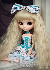 Cupcake Girl (♪Bell♫) Tags: pullip romantic alice blue happy birthday emilly rosemberg groove doll