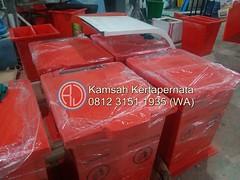 Tempat Sampah 120 Liter Material Fiberglass Kapasitas Besar (Ramdhani Jaya) Tags: news tempat sampah fiber kapasitas 120 liter tong ukuran