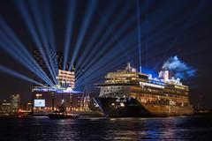 Starwars (PhotoChampions) Tags: elbphilharmonie elbe meinschiff hamburg kreuzfahrtschiff cruiseship nightshot urbannightshot germany deutschland