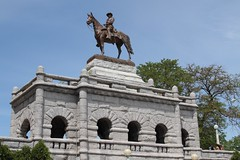 U.S. Grant Memorial in Lincoln Park (dangaken) Tags: chicago chicagoil illinois windycity summer summerinthecity usgrant lincoln grant civilwar uscivilwar ulyssesgrant lincolnparkzoo lincolnpark equestrianstatue horse equestrian statue grantstatue dgaken dangaken photobydangaken