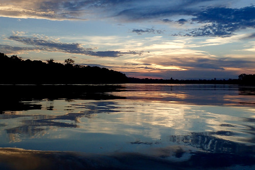 brazil-amazon-cristalino-lodge-sunset-over-the-river-copyright-thomas-power-pura-aventura.jpg