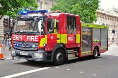 LFB Soho's Mercedes Pump Ladder DPL 169...WX17 XYZ (standhisround) Tags: firerescue londonfirebrigade fireandrescue firebrigade mercedesbenz mercedes appliance emergency vehicle 2017 pump dpl169 wx17xyz london whitehall uk battenberg new