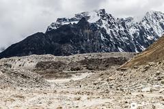 Trekking Everest Base Camp (gtmdreams) Tags: amadablam bridge campamentobase campamentobasedeleverest childrennepal everest everestbasecamp gorakshep himalaya lobuche lukla montañas mountains namchebazzar nepal porteador porter puentecolgante shagarmatha sherpa sherpas tengboche topoftheworld trekking