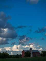 Quaint (MacDonald_Photo) Tags: jamieamacdonald sl33stak zd lightroom oly olympus zuiko eatonrapids michigan getolympus omd omdem1mkii μ43photography μ43 em1mkii omdem1markii barn clouds cloud blueskies puremichigan mzuiko1442ez