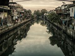 khlong (Julien Cha.) Tags: khlong khlongtoei bangkok krungthep