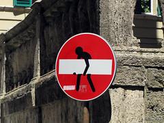 Senso vietato n°7 (scardeoni_fabrizio) Tags: segnale senso vietato stradale rosso