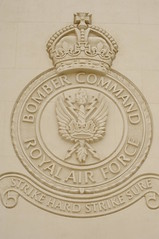 Hyde Park Corner / Bomber Command WW2 pilots memorial (D.Ski) Tags: hydeparkcorner greenpark wellingtonarch ww2 memorial warmemorial london uk england