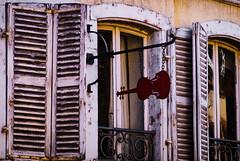 musical window (Bom-he) Tags: colmar frankreich vogesen window music violine fenster balkon balcony red rot