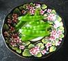 20170607 smullen (enemyke) Tags: pixeldiary juni 2017 peultjes peulen bloempot food eten groente pisumsativum guisantes guisantesdenieve pisum peul